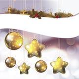 Glänzende Verzierungen und Lichter für heiliges Weihnachten Stockfotografie