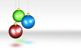 Glänzende Weihnachtskugeln Stockbild