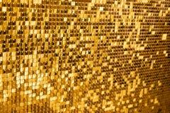 Glänzender goldener Mosaikglashintergrund lizenzfreies stockfoto