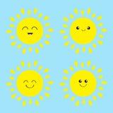 Glänzender Ikonensatz Sun Kawaii stellen mit verschiedenen Gefühlen gegenüber Lustiger lächelnder Charakter der netten Karikatur  Lizenzfreie Stockbilder