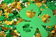 Glänzender Klee für St Patrick Tag Stockbild