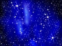 Glänzender Sternhintergrund auf Blau Stockfoto