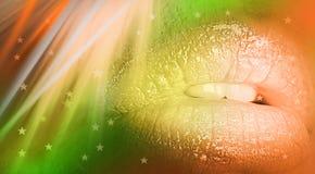 Glänzendes buntes Lippender neonzauber-Disco, unwirklich, Fantasie, Kartenparty-girl-Entwurf stockfoto