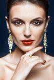 Glänzendes Gesichtsmake-up Stockfotos