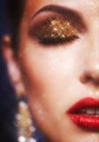 Glänzendes Gesichtsmake-up Stockbild