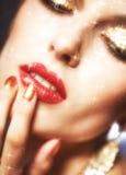 Glänzendes Gesichtsmake-up Lizenzfreie Stockbilder