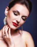 Glänzendes Gesichtsmake-up Lizenzfreie Stockfotos