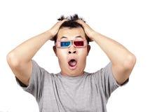 Gläser 3D und entsetzter Mann Stockbild