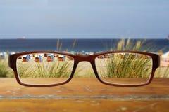 Gläser auf der Tabelle Lizenzfreie Stockfotos