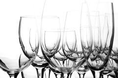 Gläser auf einem weißen Hintergrund Stockfoto