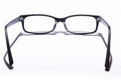 Gläser auf Weiß Stockfotos