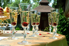 Gläser Cocktails mit Kirschen Lizenzfreies Stockfoto