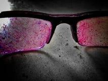 Gläser in der Farbe stockfotos