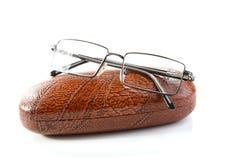 Gläser in einem Fall Lizenzfreie Stockbilder