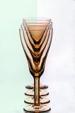 Gläser in einer Reihe Lizenzfreies Stockbild