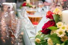 Gläser mit Cocktail lizenzfreies stockbild