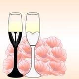 Gläser mit einem Champagner verzierten dekorative Blume Lizenzfreies Stockbild
