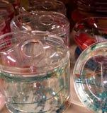 Gläser mit schönen Farben lizenzfreie stockbilder