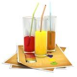Gläser Orangen-, Ananas- und Kirschsaft Lizenzfreies Stockfoto