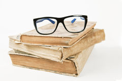 Gläser und Bücher Lizenzfreies Stockbild