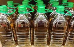 Gläser von Olive Oil Stockfoto