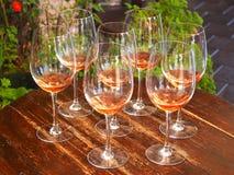 Gläser von Rosé Stockbild