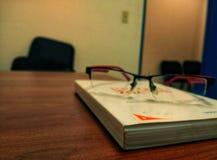 Gläser zu lesen stockfoto
