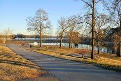 Glättung des Laufwerks durch den Park Lizenzfreie Stockbilder
