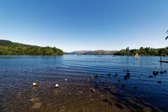 Glättung von Ansicht über Nationalpark des See windermere Seebezirkes lizenzfreies stockfoto