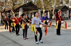 Glåmiga Jia, Kina: Kvinna Midja-Vals band Arkivfoton