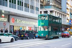 Glåmiga Sheung, Hong Kong - Januari 14, 2018: Hong Kong spårvagn för tra royaltyfri fotografi