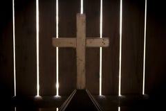Glödande dolt kors fotografering för bildbyråer