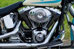 Glödande kvarter för krommotorcykelmotor Royaltyfri Fotografi