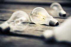 glödande lampa för kula Arkivbilder