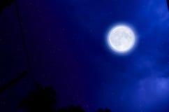 glödande nattsky Fotografering för Bildbyråer