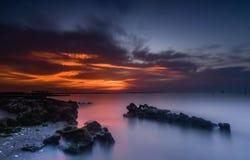 Glödande solnedgång arkivfoton