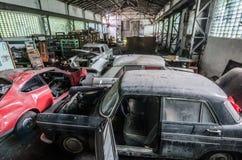 glömda klassiska bilar Arkivfoton