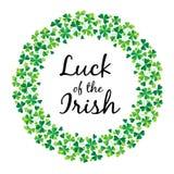 Glück der Iren im Shamrockkreisrahmen vektor abbildung
