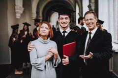 glück relationen diplom muttergesellschaft ende stockbilder