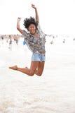 Glücklich am Strand Lizenzfreies Stockbild