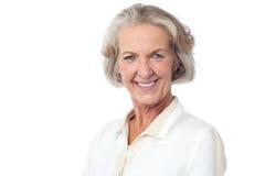 Glückliche ältere Frauenaufstellung Lizenzfreie Stockfotos