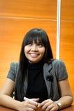 Glückliche asiatische Geschäftsfrau Stockfotografie