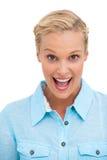 Glückliche attraktive blonde schauende Kamera Lizenzfreie Stockfotos