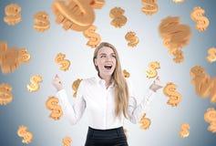 Glückliche blonde Geschäftsfrau, Dollarzeichen Lizenzfreie Stockfotografie