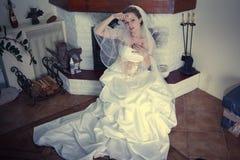 Glückliche Braut auf Hochzeit Stockfotos