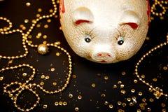Glückliche chinesische neues Jahr 2019 chinesische Übersetzung Jahr des Goldschweins stockfotos