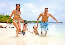 Glückliche Familie auf Ferien Stockfotografie
