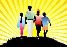 Glückliche Familie auf Natur Lizenzfreie Stockfotos