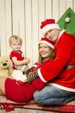 Glückliche Familie auf Weihnachten Lizenzfreies Stockbild