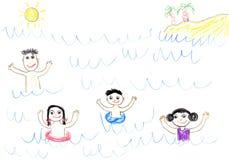 Glückliche Familie der Zeichnung des Kindes im Meer Lizenzfreie Stockfotos